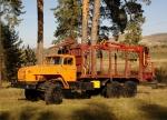 Сортиментовозный тягач Урал 690213 с гидроманипулятором