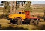 Лесовозный тягач Урал 4320